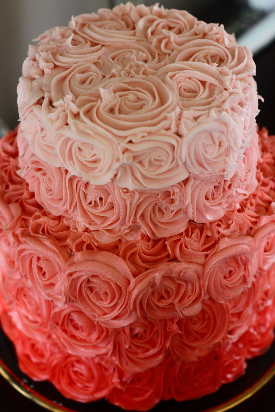 Rose Cake Design Icing : Ombre rose wedding cake OneWed.com