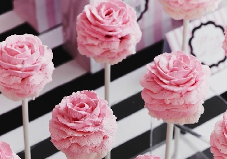 Pastel-pink-rose-wedding-cake-pops.full