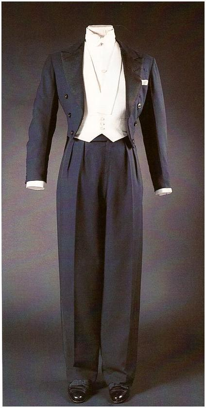 Duke of Windsor's A midnight blue worsted formal evening dress suit