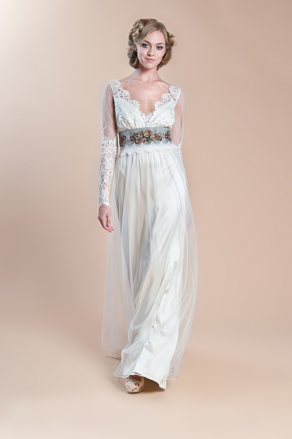 2013 Claire Pettibone Windsor Rose Collectio Abbey