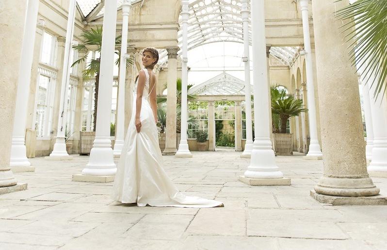 Wedding-dress-by-louise-selby-2013-bridal-poppy.full