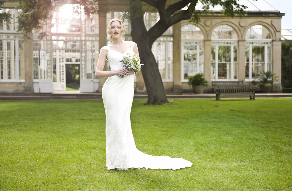 Wedding-dress-by-louise-selby-2013-bridal-forget-me-knot.full