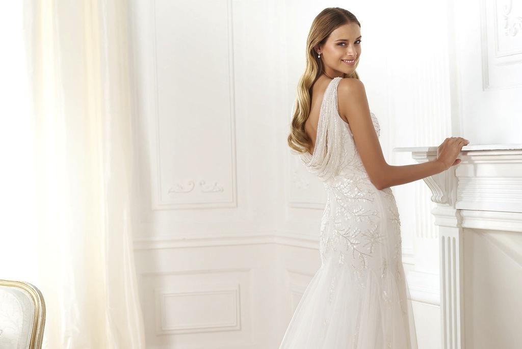 Laberne-beaded-wedding-dress-by-pronovias.full