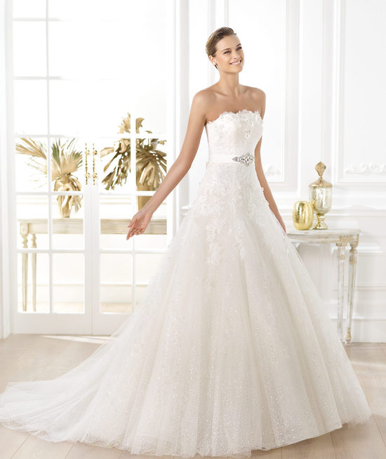 photo of Pronovias wedding dress pre 2014 Glamour bridal collection Licera