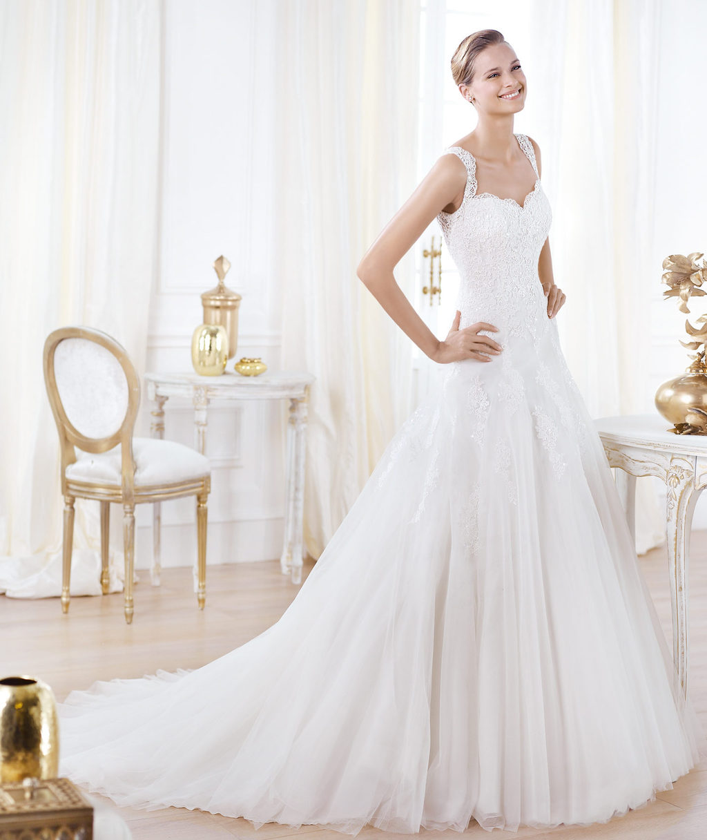 Pronovias-wedding-dress-pre-2014-glamour-bridal-collection-lavianne.full