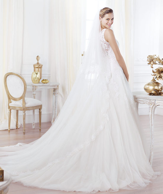 Pronovias wedding dress pre 2014 Glamour bridal collection Lavianne