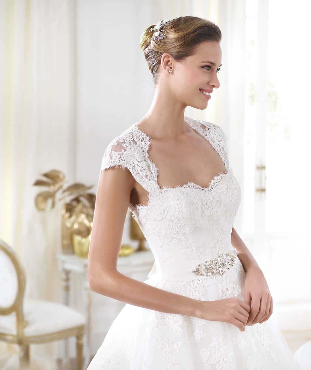 Pronovias-wedding-dress-pre-2014-glamour-bridal-collection-leozza-2.full