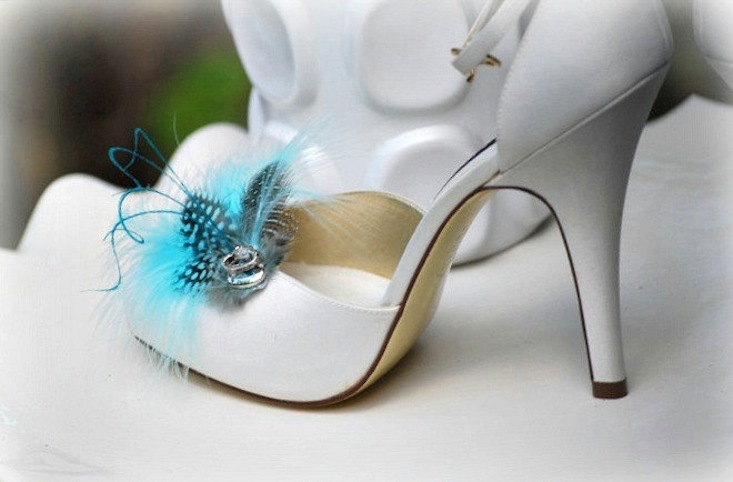 Something blue for budget brides 5