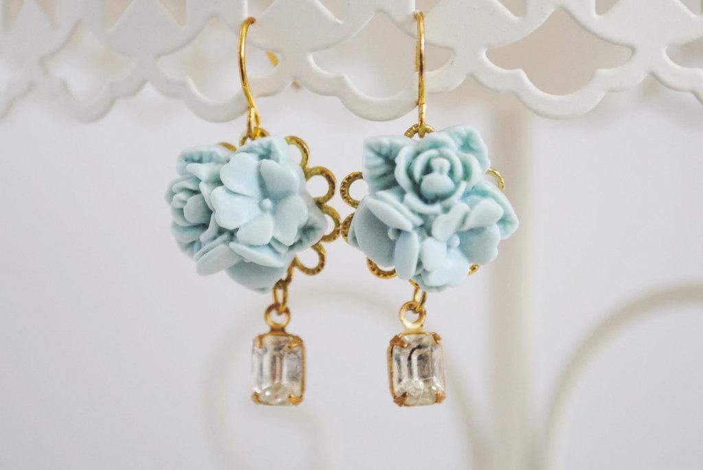 Pale-something-blue-bridal-earrings.full