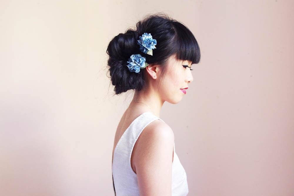 Something-blue-wedding-hair-flowers.full
