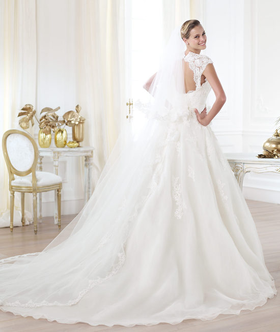 Pronovias wedding dress pre 2014 Glamour bridal collection Leozza