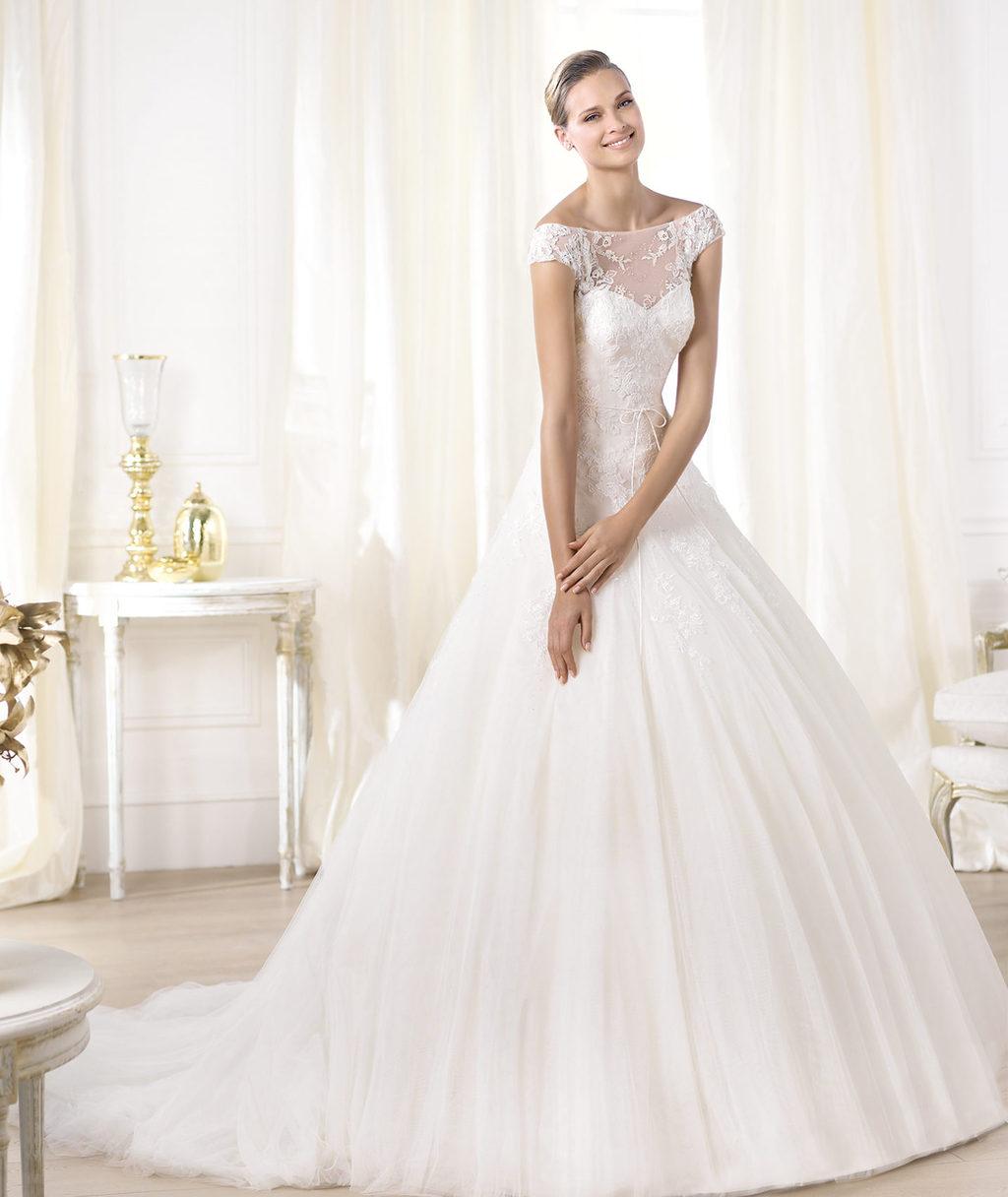 Pronovias-wedding-dress-pre-2014-glamour-bridal-collection-leonela.full
