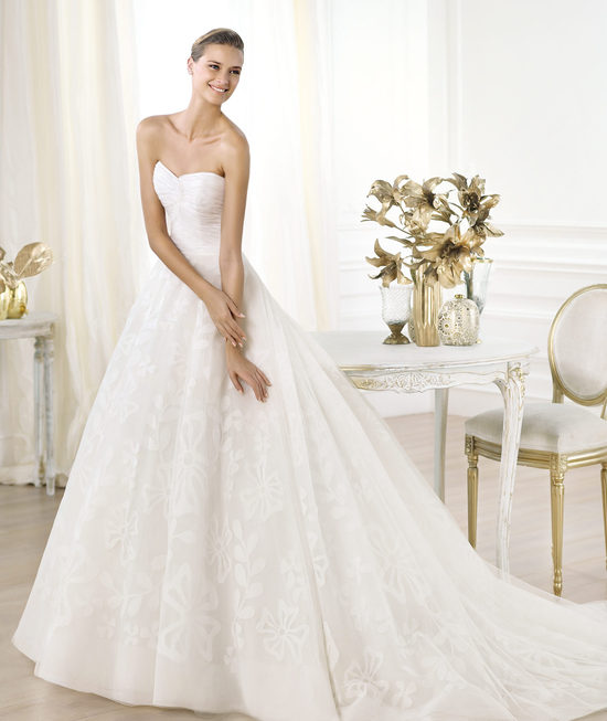Pronovias wedding dress pre 2014 Glamour bridal collection Leura