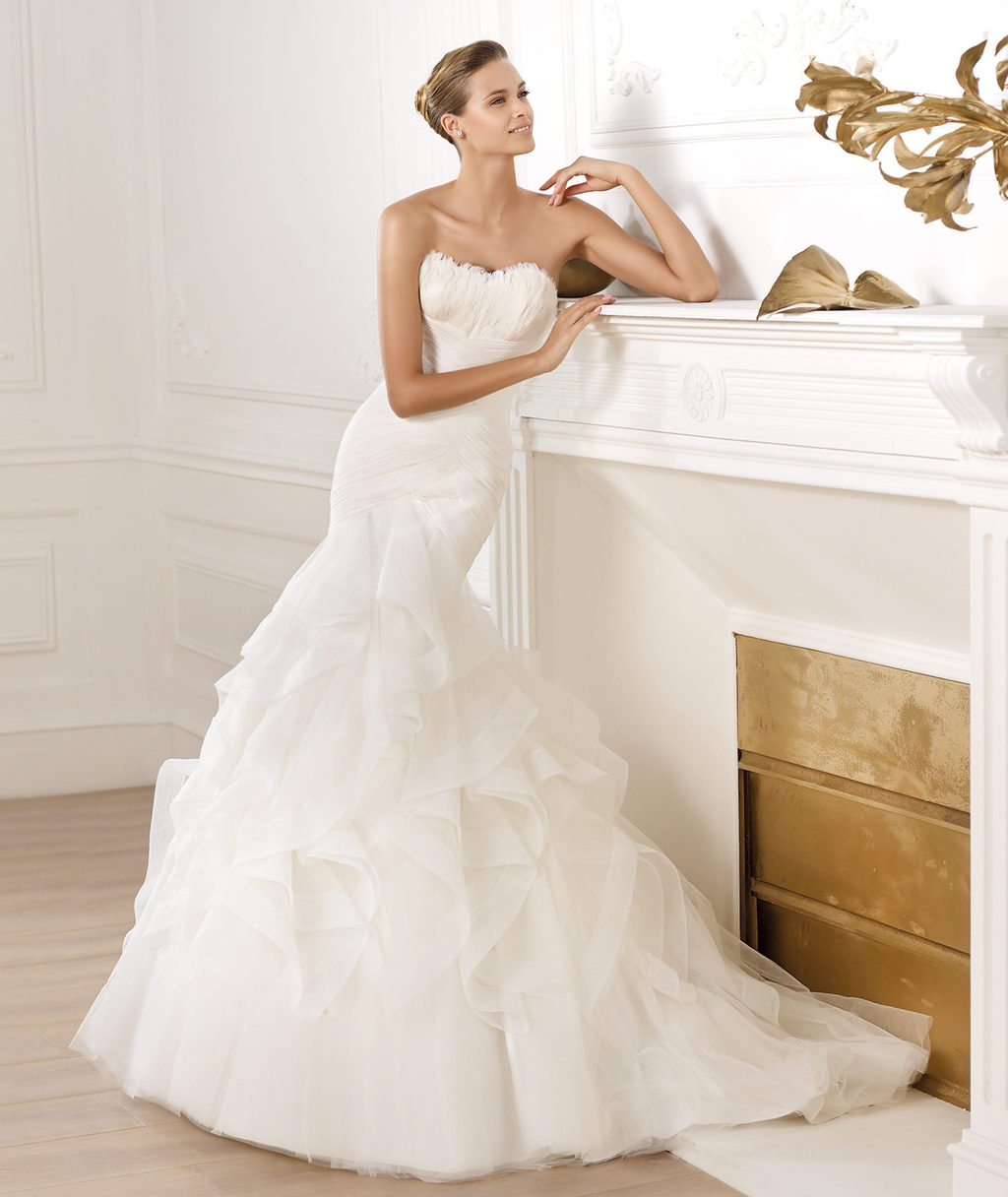 Pronovias-wedding-dress-pre-2014-glamour-bridal-collection-ledurne.full