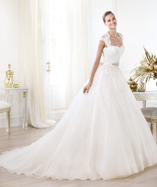2014 Glamour wedding gowns by Pronovias