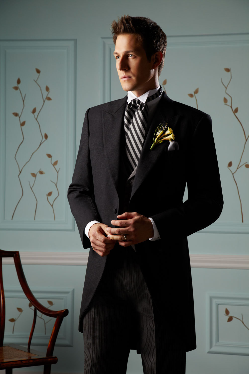 1787_tux_wedding_romantic_look_1.full