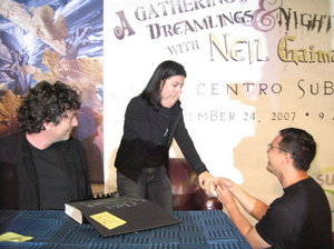 photo of Neil Gaiman Helps out with a Marriage Proposal