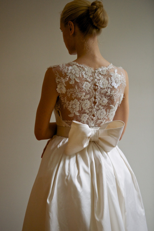 Bride Chic 5 Trends for Fall 2014 Buttons Down the Back Francesca Miranda Spring 2013