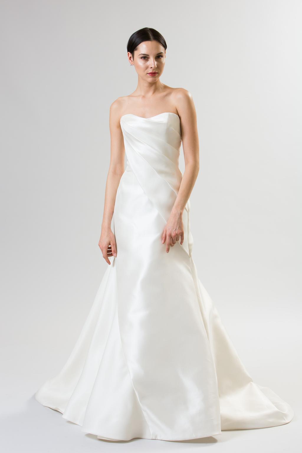 Junko-yoshioka-summer-spring-2014-wedding-dress-eclair_1.full