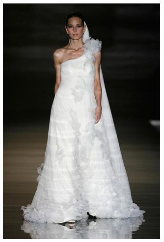 Exotic-asymmetrical-wedding-dresses-white-ruffles-flowy.full