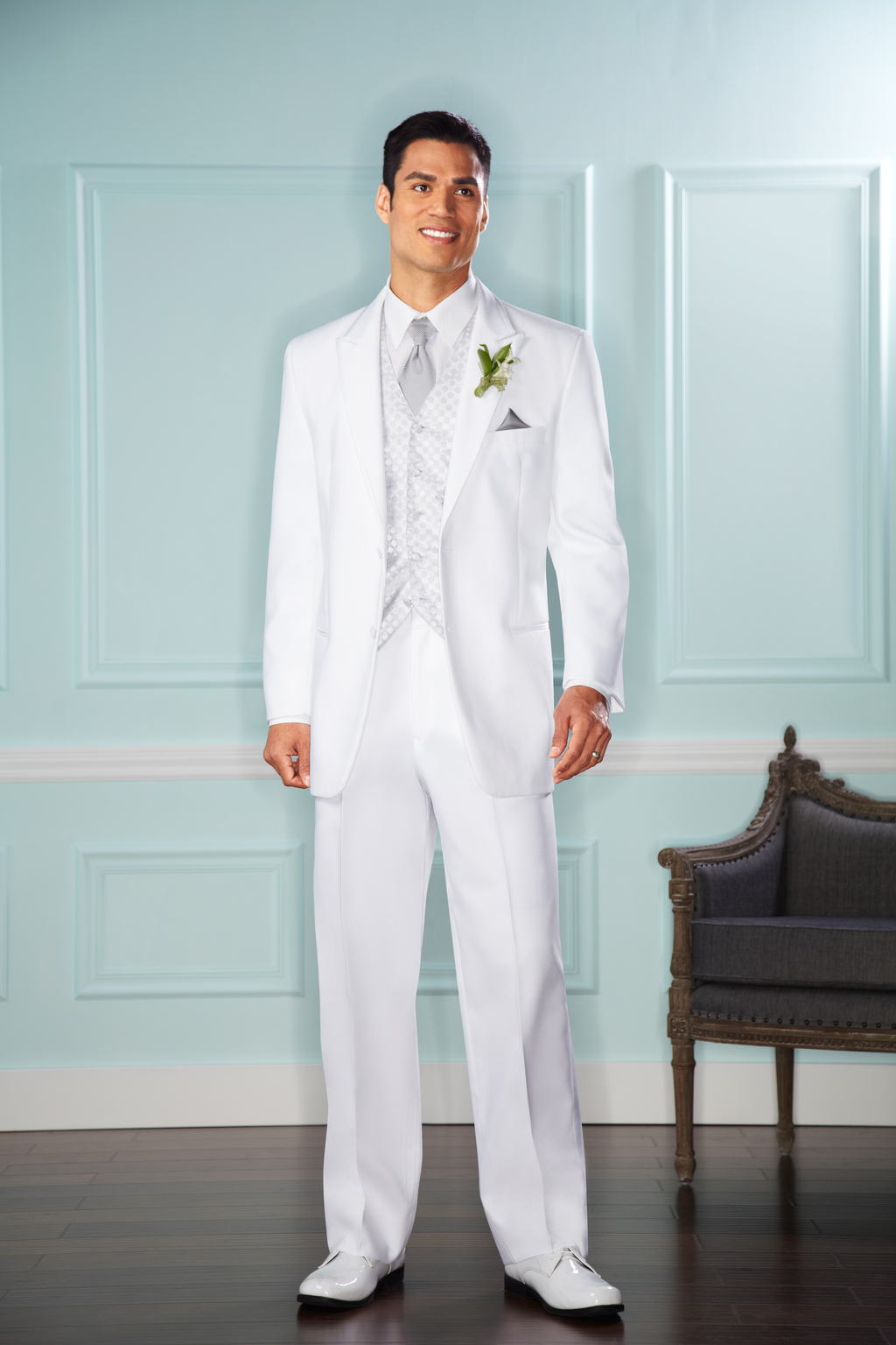 Uomo White Two-Button Tuxedo