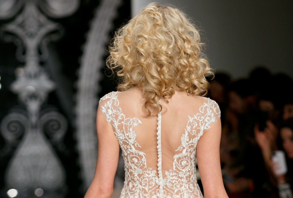 Wedding-hair-and-makeup-trends-2014-bridal-reem-acra-2.full