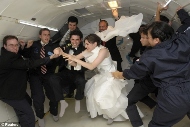 Wedding_ideas_weightless_wedding.full