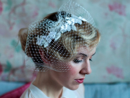 Retro-roll-updo-with-birdcage-veil.medium_large