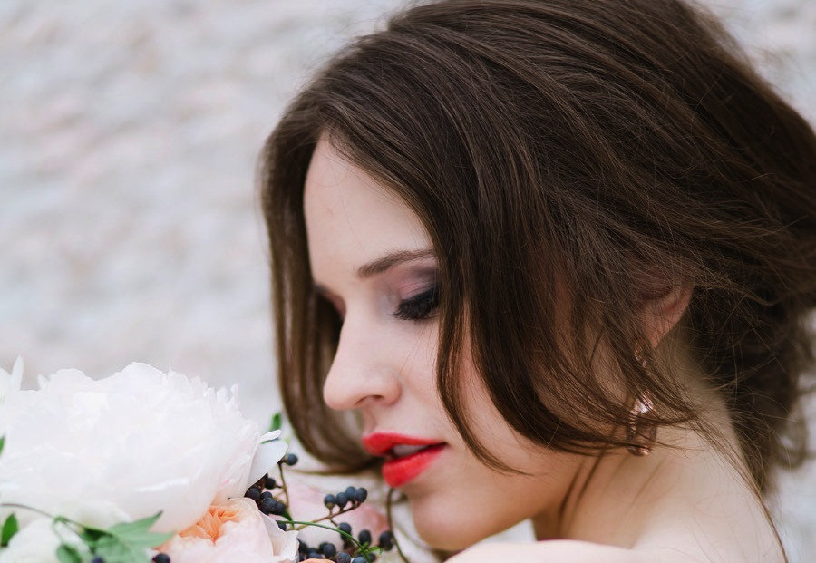 Red-orange-lips-smoky-eyes-bridal-beauty.full