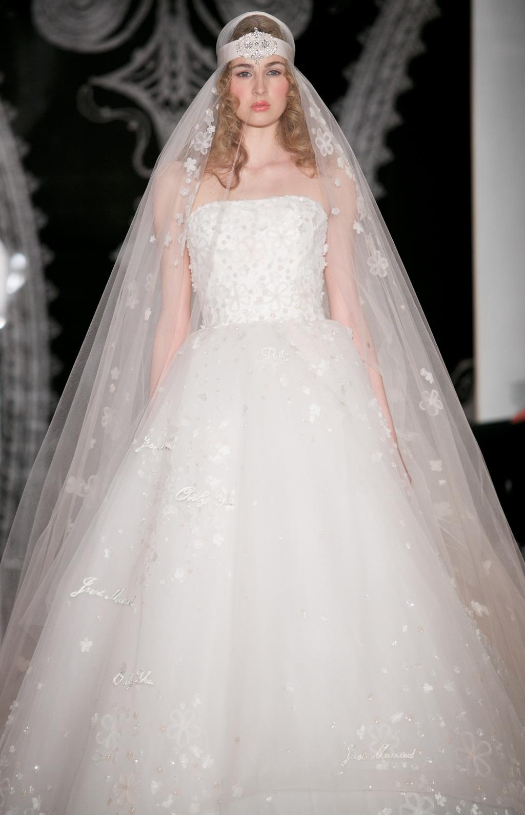 Beautiful-bridal-details-at-reem-acra-23.full