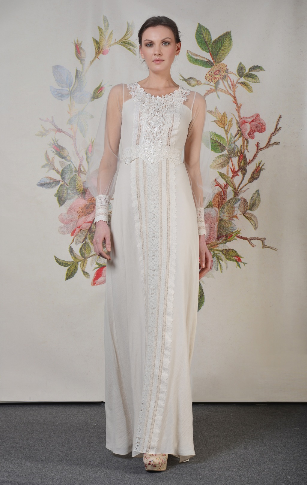 Claire-pettibone-spring-summer-2014-wedding-dress-delaney_f_01.full