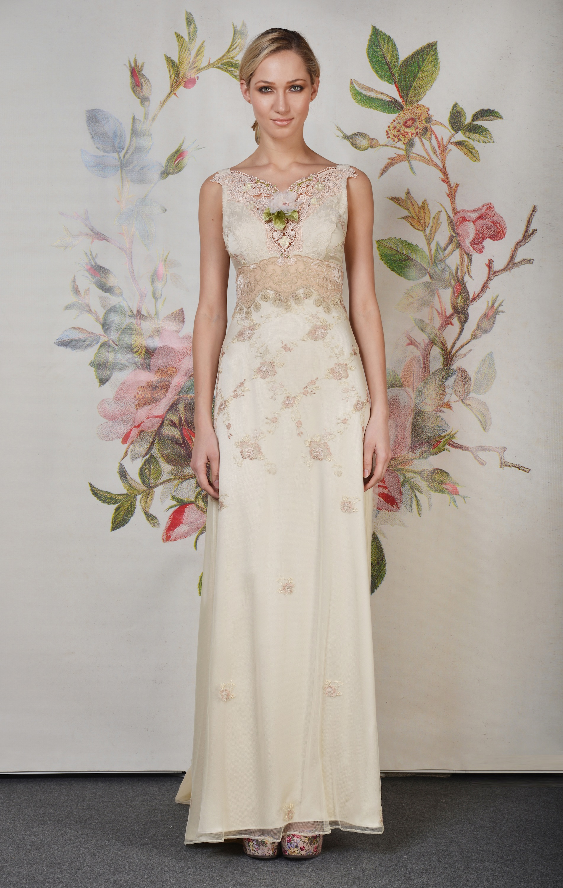 Claire pettibone spring summer 2014 wedding dress primrose for Wedding dress claire pettibone