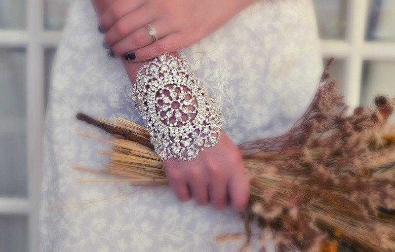 Sparkly-crystal-wedding-bracelet.full