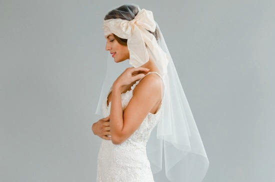 juliet cap style wedding veil with blush bow