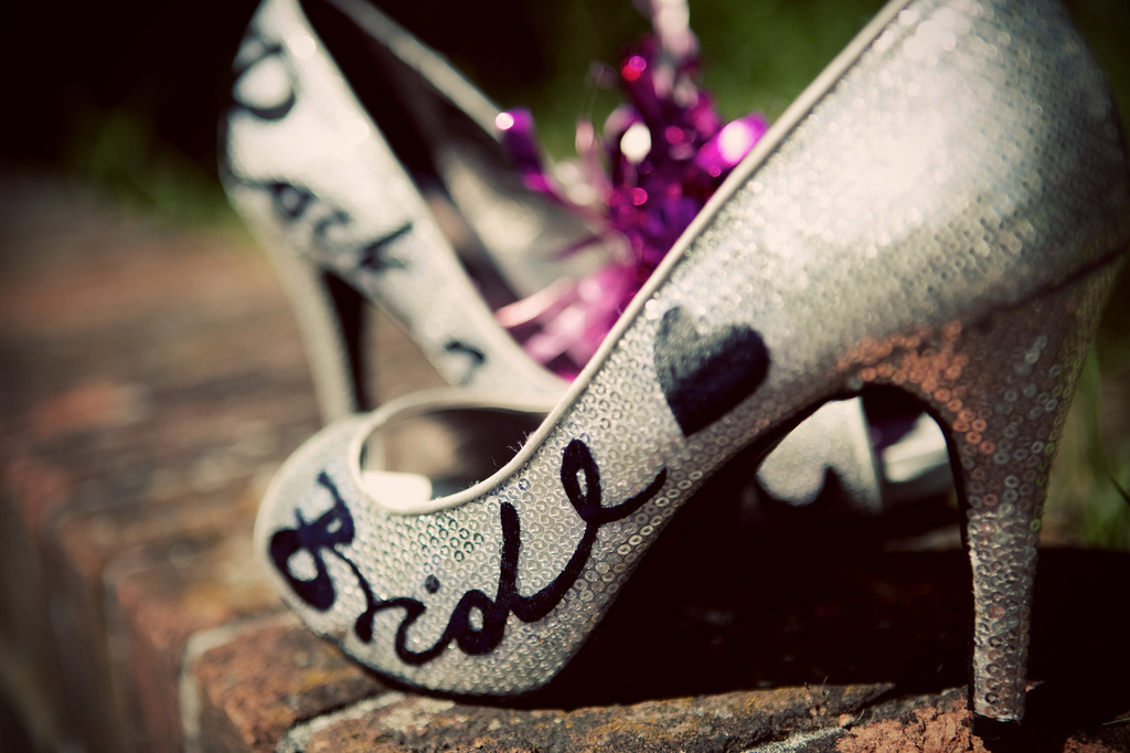 Silver-wedding-shoes-with-custom-calligraphy.full
