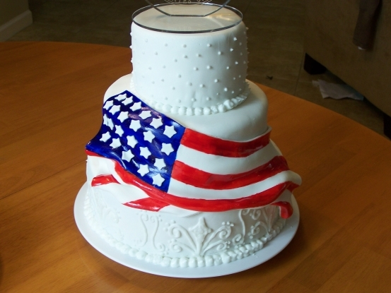 Wedding_ideas_flag-cake_wendt_woo_red_white_blue.full