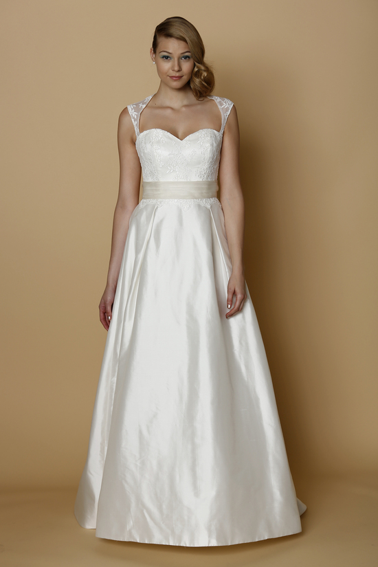 ALYNE Spring Summer 2014 wedding dress CASSINA
