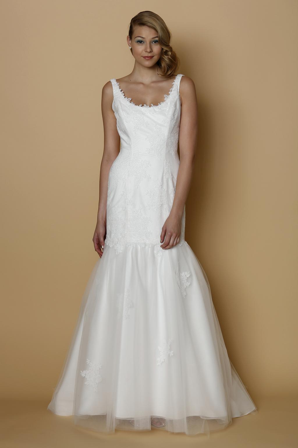 Alyne-spring-summer-2014-wedding-dress-corsica.full