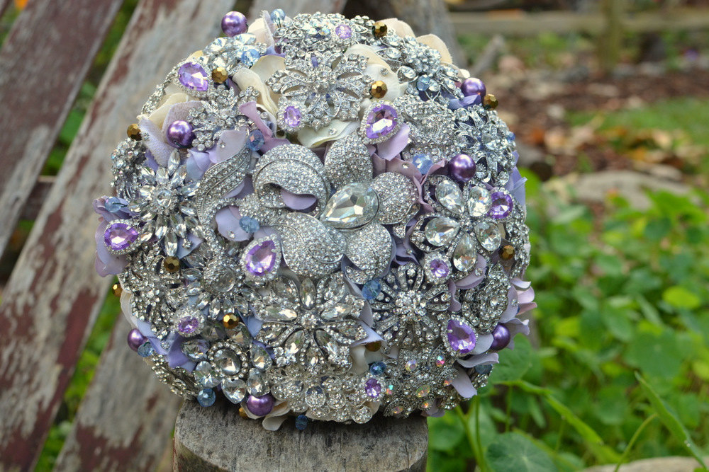 Lavender-and-silver-brooch-bridal-bouquet.full