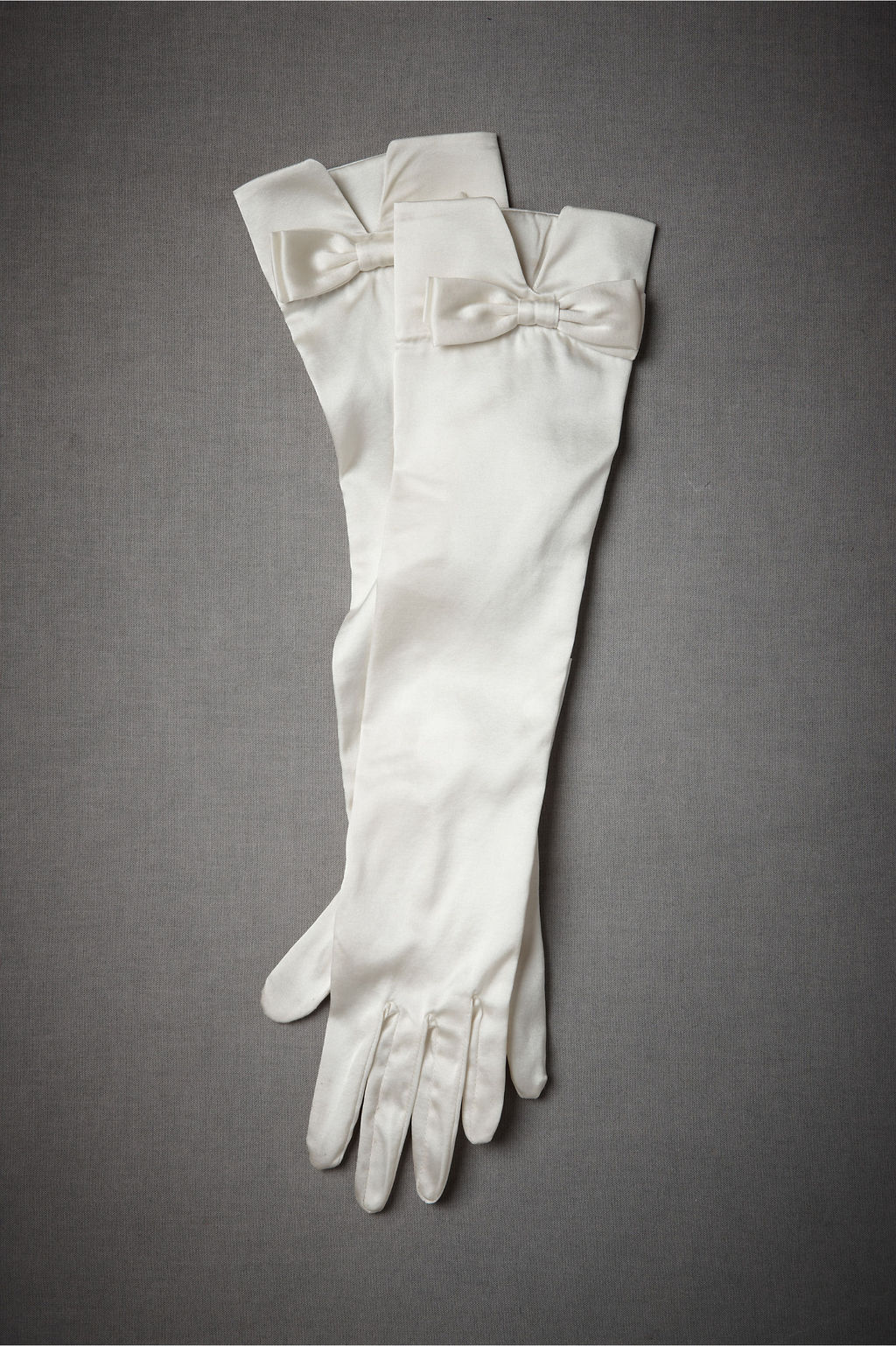 Bridal-accessories-vintage-inspired-gloves-4.full