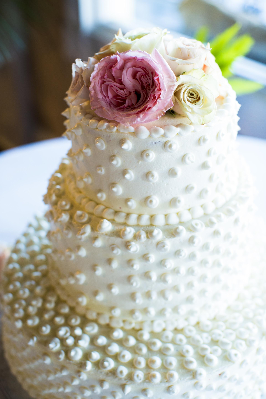 Ivory Wedding Cake With Pearls Classic Ivory Wedding Cake