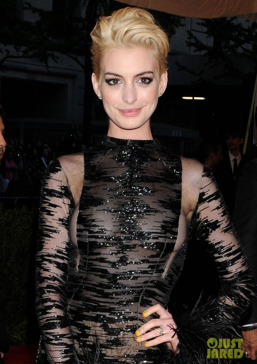 Met-ball-2013-wedding-hair-makeup-dos-and-donts-anne-hathaway.full