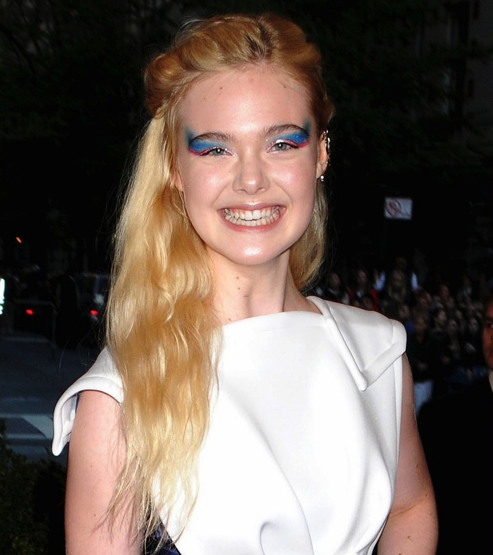 Elle-fanning-at-met-ball.full