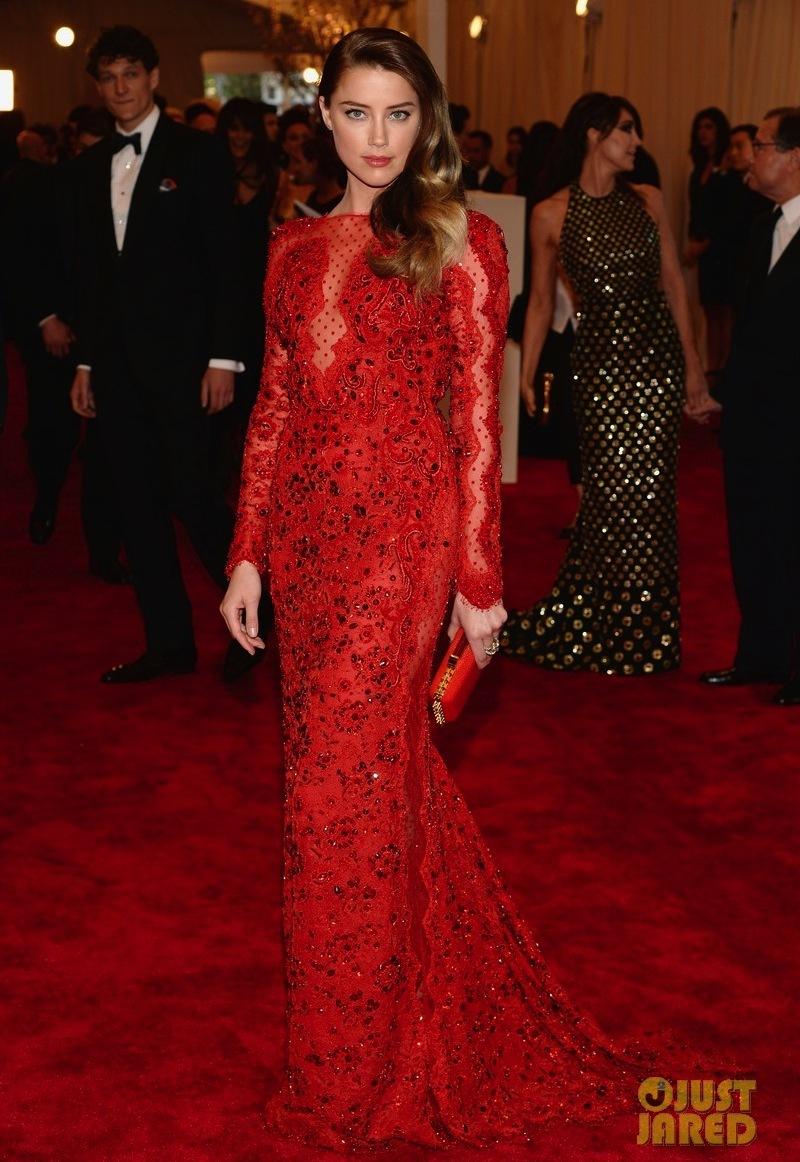Amber-heard-met-ball-2013-red-carpet-02.full
