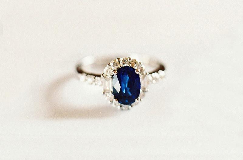 Cushion-cut-sapphire-engagement-ring.full