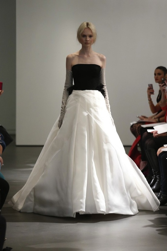 Vera Wang Wedding Dress Spring 2014 Bridal 15