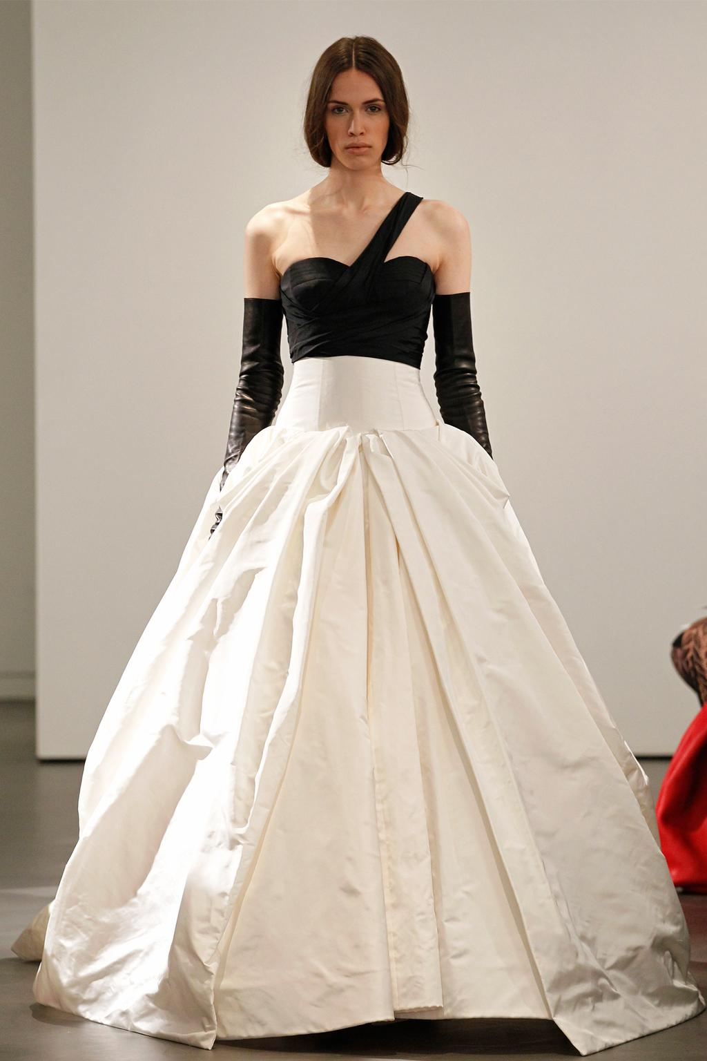 Vw-bride_ss14_runway_look-4.full