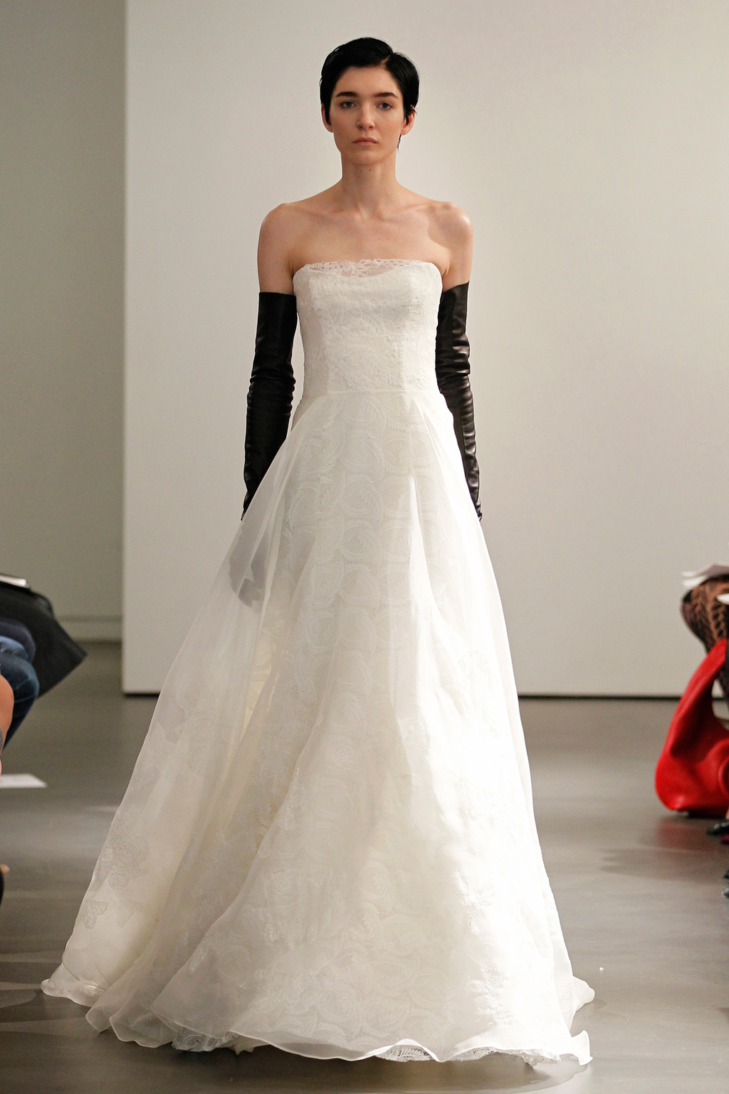 Vw-bride_ss14_runway_look-10.full