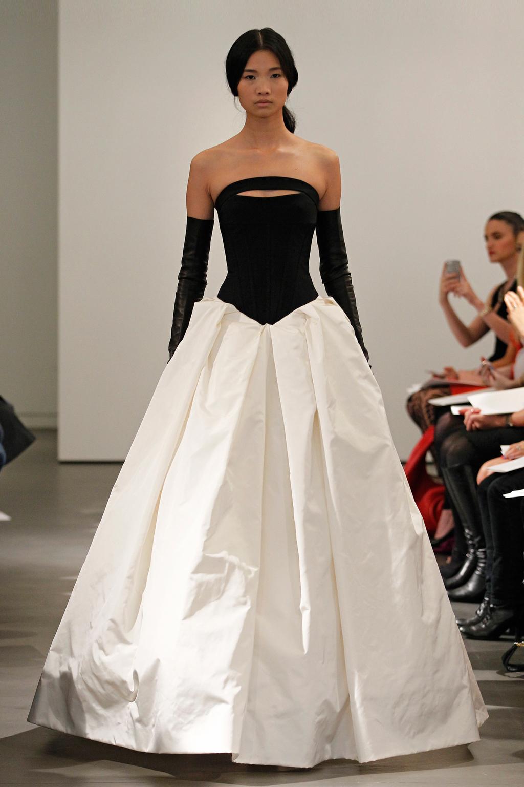 Vw-bride_ss14_runway_look-13.full