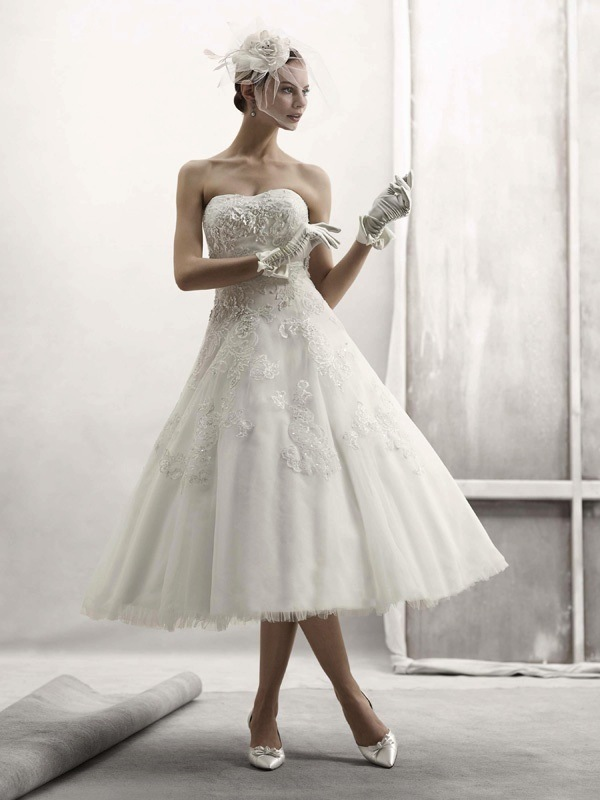 photo of Oleg Cassini Fall 2011 wedding dress - 1